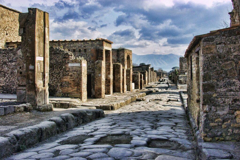 pompeii-2375135_1920-1024x768