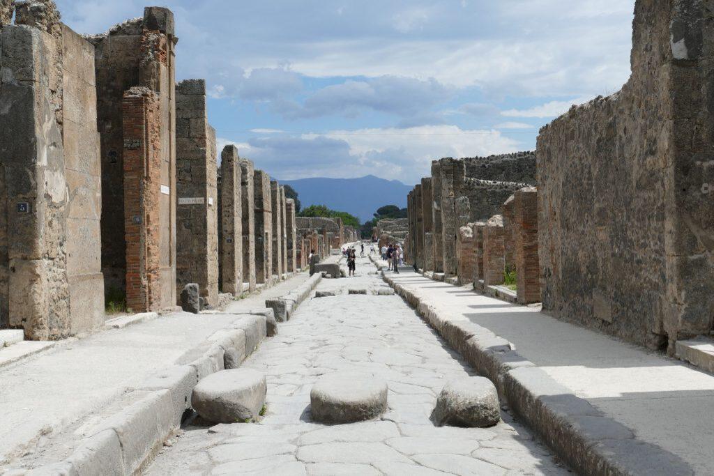 pompeii-2580680_1920-1024x682