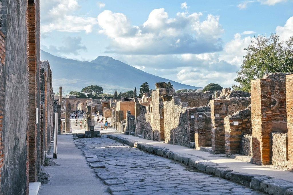 pompeii-4053847_1920-1024x683
